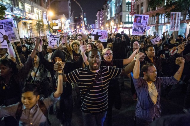 Protests-After-Ferguson-MO-Grand-Jury-Decision-Pictures
